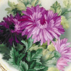 Riolis Satin-Stitch Kit Plate with Chrysanthemums. Satin...