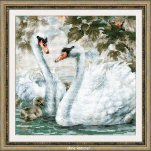 Riolis counted cross stitch Kit White Swans, DIY